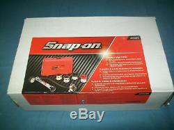 NEW Snap-on SVTS272 Cooling System Tester Kit in Case SEALed